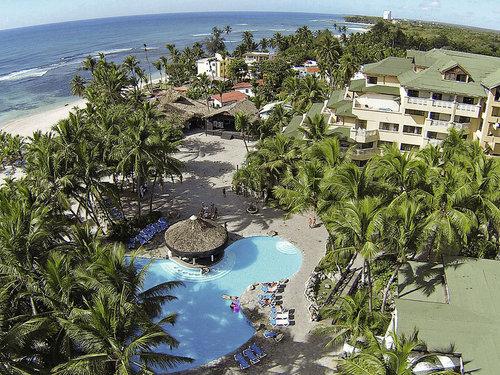 Direkt am feinsandigen Strand. Juan Dolio und ein Golfclub in der Nähe.  Ausstattung: Komfortable Hotelanlage mit 3 Süßwasserpools, ...
