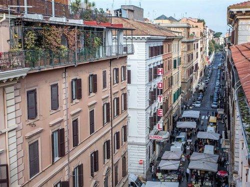 Hotel Floridia liegt in Rom (Historisches Zentrum von Rom) nur wenige Minuten entfernt von: Teatro dell'Opera di Roma und Santa Maria Maggiore ...