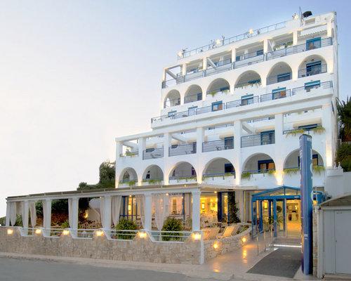 Lage: Das Hotel Secret Paradise Hotel and Spa befindet sich 50 m vom Sand-/Kiesstrand entfernt. Gelegen in Nea Kalikratia verfügt das Hotel über ...