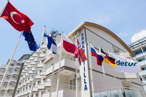 Das Hotel bietet folgende Einrichtungen und Dienste 24-Stunden-Rezeption, Restaurant, Bar, Schwimmbad, Kinderbecken und Aufzug. Alle Zimmer ...