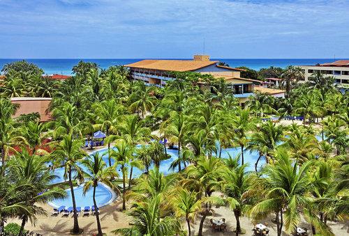 Ort Varadero Lage  erste Strandlage Strand: Sand, flach abfallend  Entfernungen:  Flughafen Varadero ca. 32 km Strand direkt nächster Ort ...