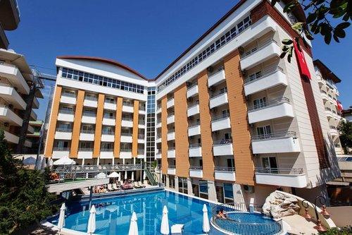 Lage: Das Hotel liegt nur etwa 100 Meter vom bekannten Kleopatra-Strand, den man durch Überqueren der Küstenstraße erreicht, entfernt. Das ca ...