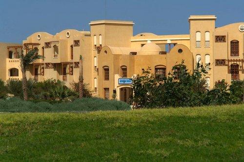 Lage: Das Hotel liegt in El Gouna, direkt an einer schönen Lagune. Zum kleinen Zentrum