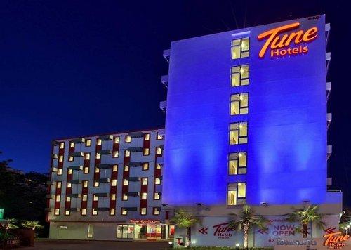 Lage: Das Hotel liegt zentral in Pattaya und bietet eine gute Ausgangsposition für