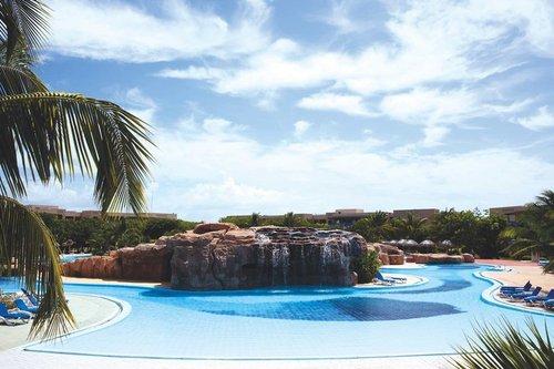 Lage: Das neueröffnete Resort liegt an einem Sandstrand, mit kristallklarem Wasser. Die Entfernung zum Flughafen Varadero beträgt ca. 40 Minuten, ...