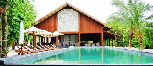 Lage: Auf der besiedelten Insel Hanimadhoo gelegen, im Haa Dhaalu Atoll, im teilweise noch fast unberührten nördlichen Teil der Malediven. Die ...