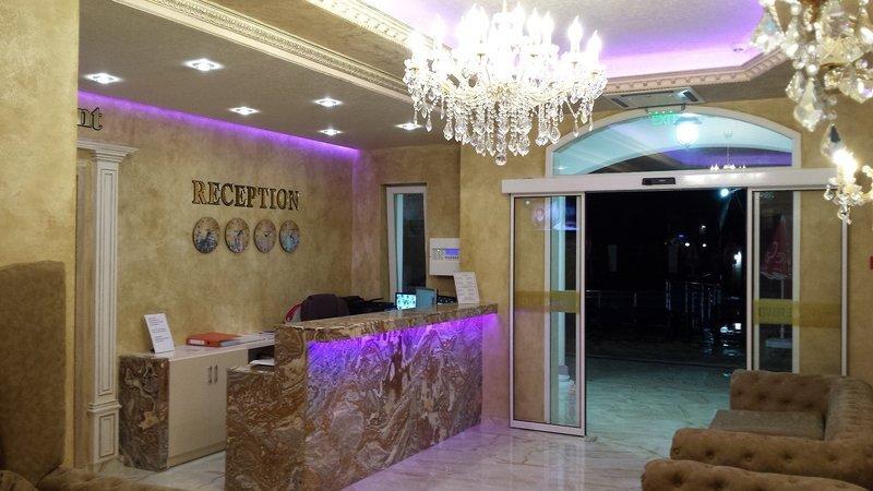 Avenue Deluxe Hotel