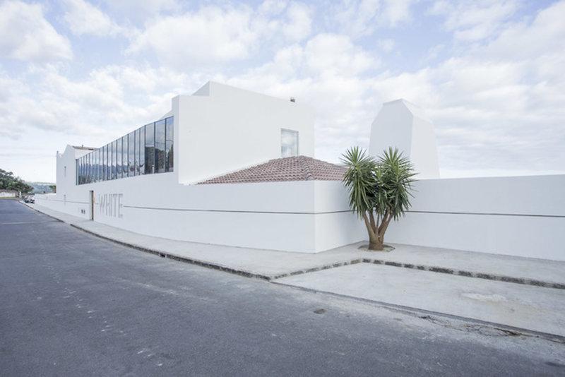 White Exclusive Suites und Villas