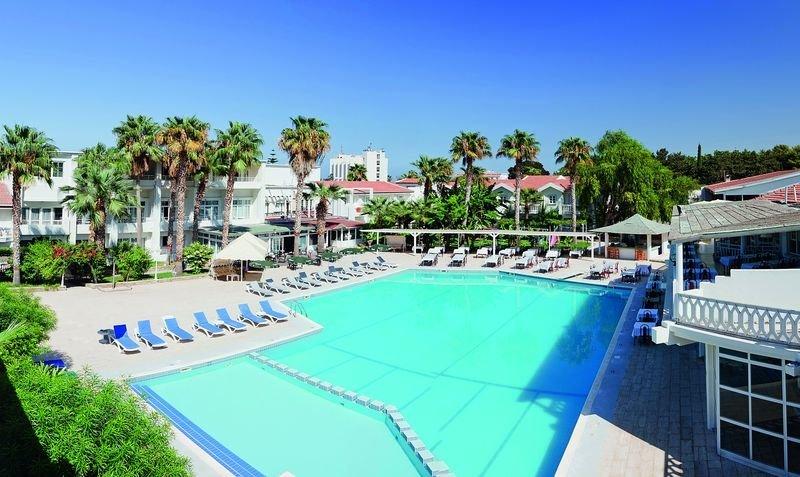 LA Hotel und Resort