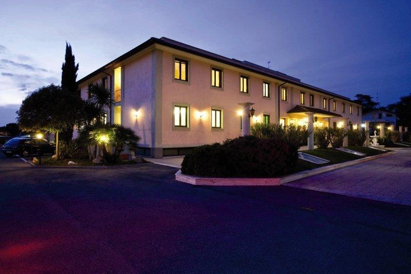 Hotel Alba Torre Maura