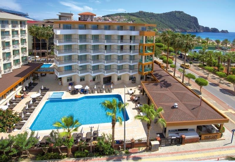 Riviera Hotel und Spa