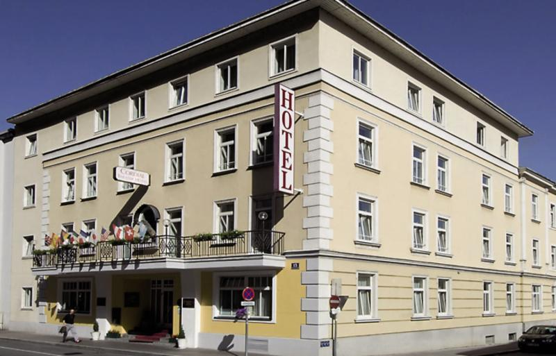 Goldenes Theaterhotel