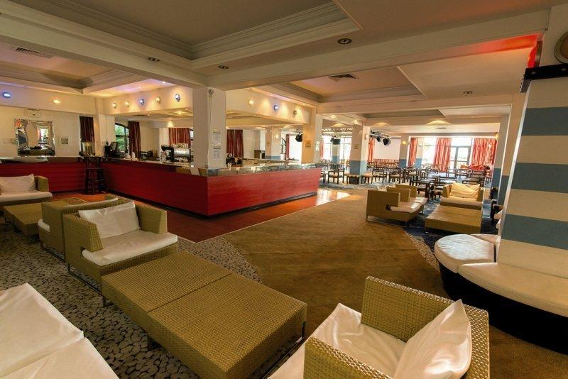 Golden Coast Hotel und Bungalows
